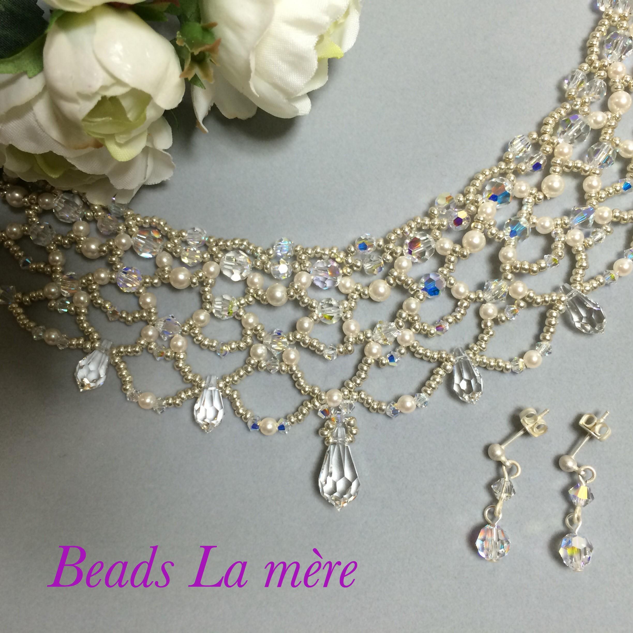 ボヘミアンビーズ丸小シルバーをメインのネックレス | beadslamere